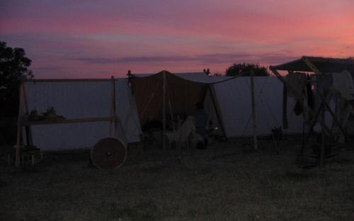 Es wird Nacht im Lager